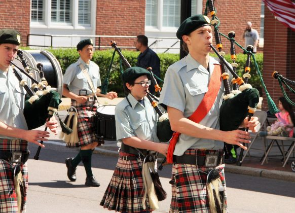 The Colonial Pipers